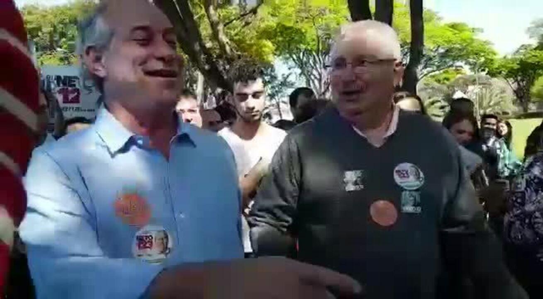 Ciro Gomes durante caminhada na Universidade Estadual de Campinas (Unicamp)