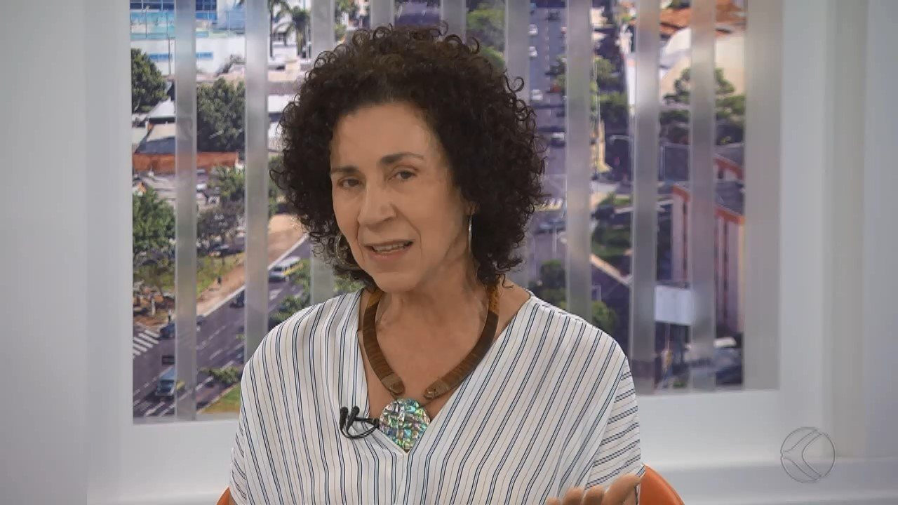 Candidata ao governo de Minas, Dirlene Marques é entrevistada na TV Integração