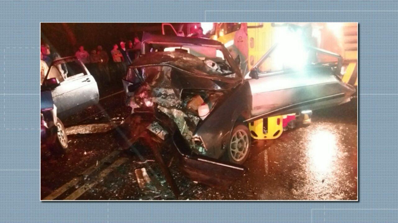 Duas pessoas morreram e 8 ficaram feridas em acidentes na BR-277