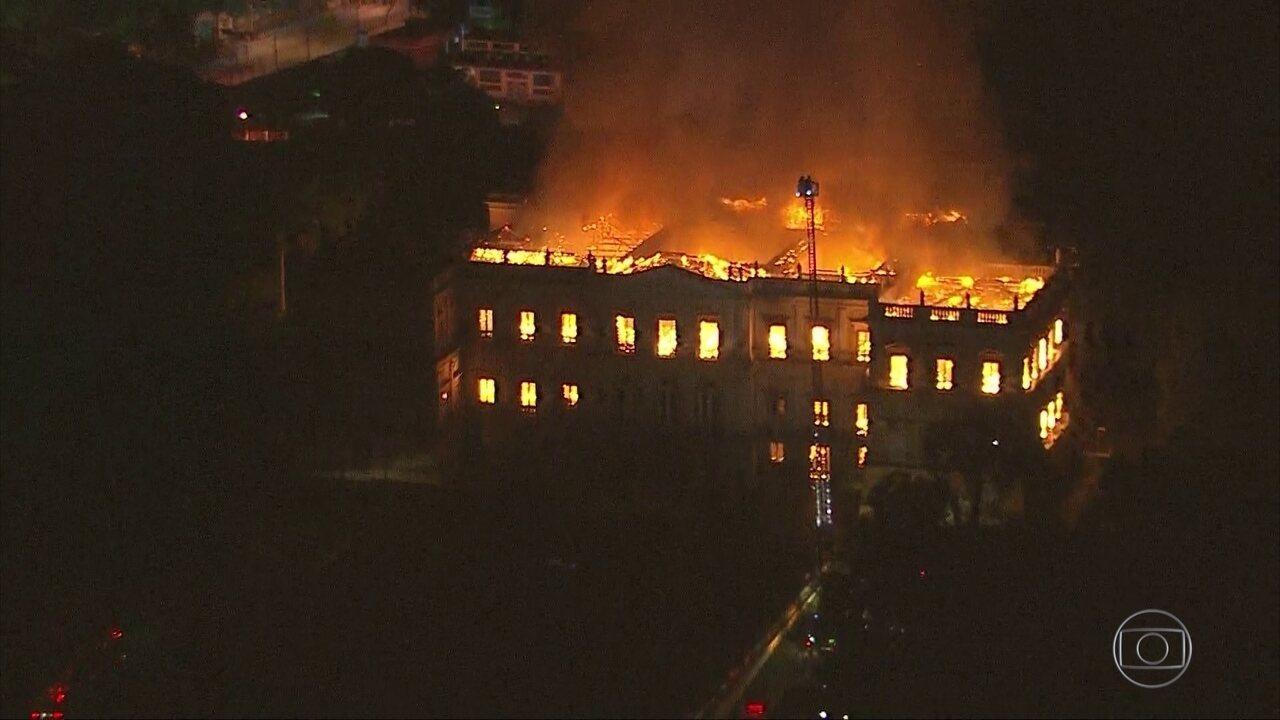 Incêndio destrói o Museu Nacional no Rio de Janeiro