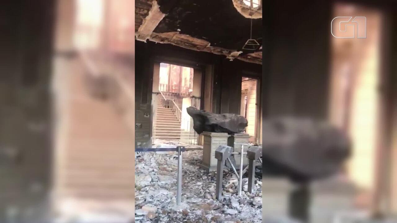 Vídeos mostram interior do Museu Nacional após incêndio