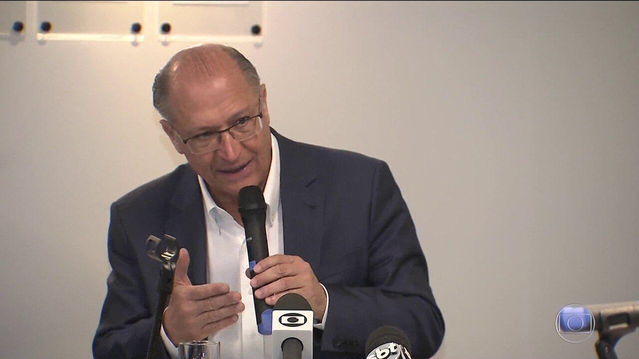 Candidato do PSDB, Geraldo Alckmin faz campanha em Brasília e Goiânia