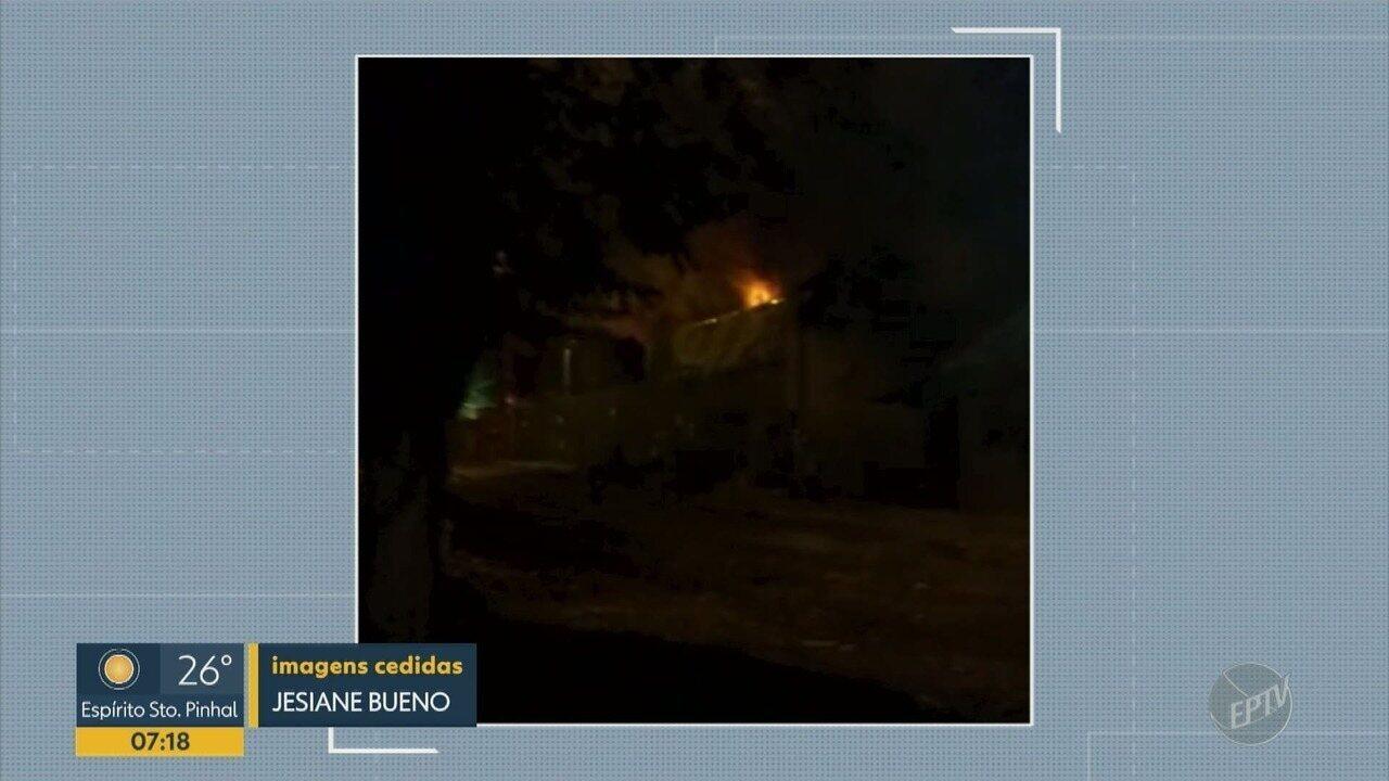 Incêndio atinge empresa de transportes em Campinas