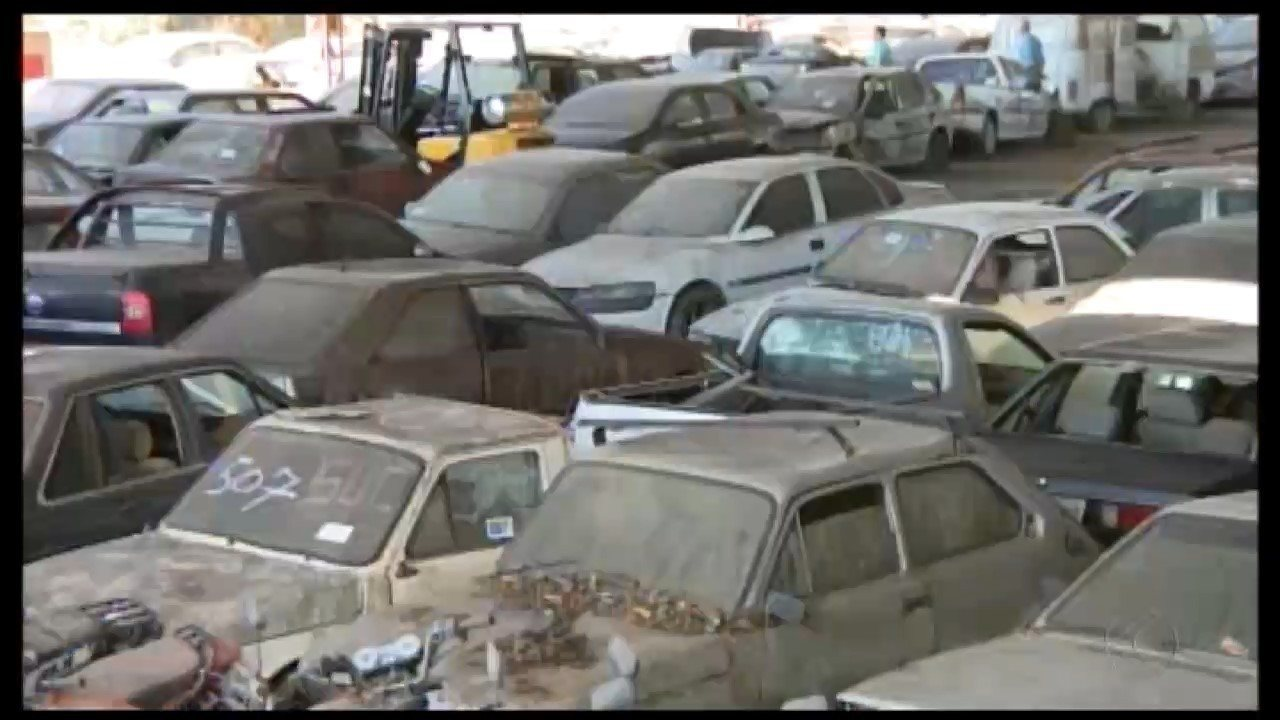 Detran abre visitação a veículos que serão leiloados em Divinópolis