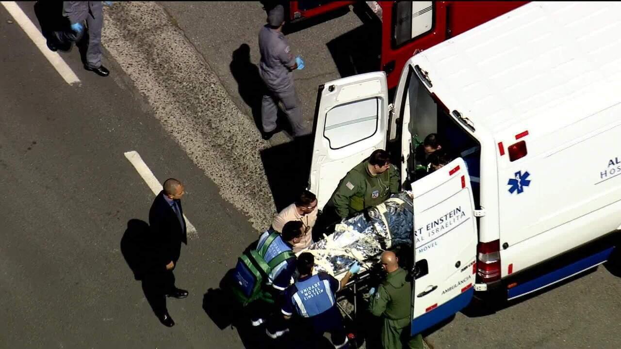 Helicóptero com Jair Bolsonaro pousa em heliponto ao lado do Hospital Albert Einstein