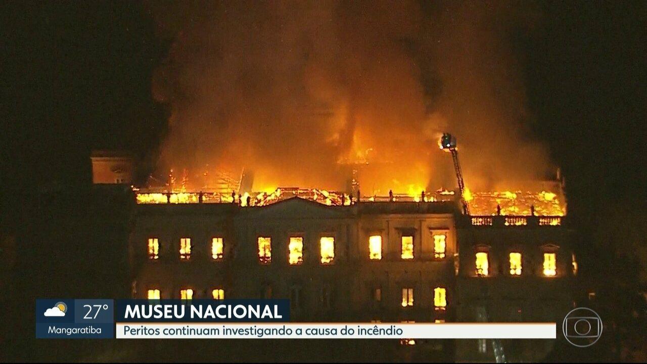 Peritos continuam investigando a causa do incêndio no Museu Nacional
