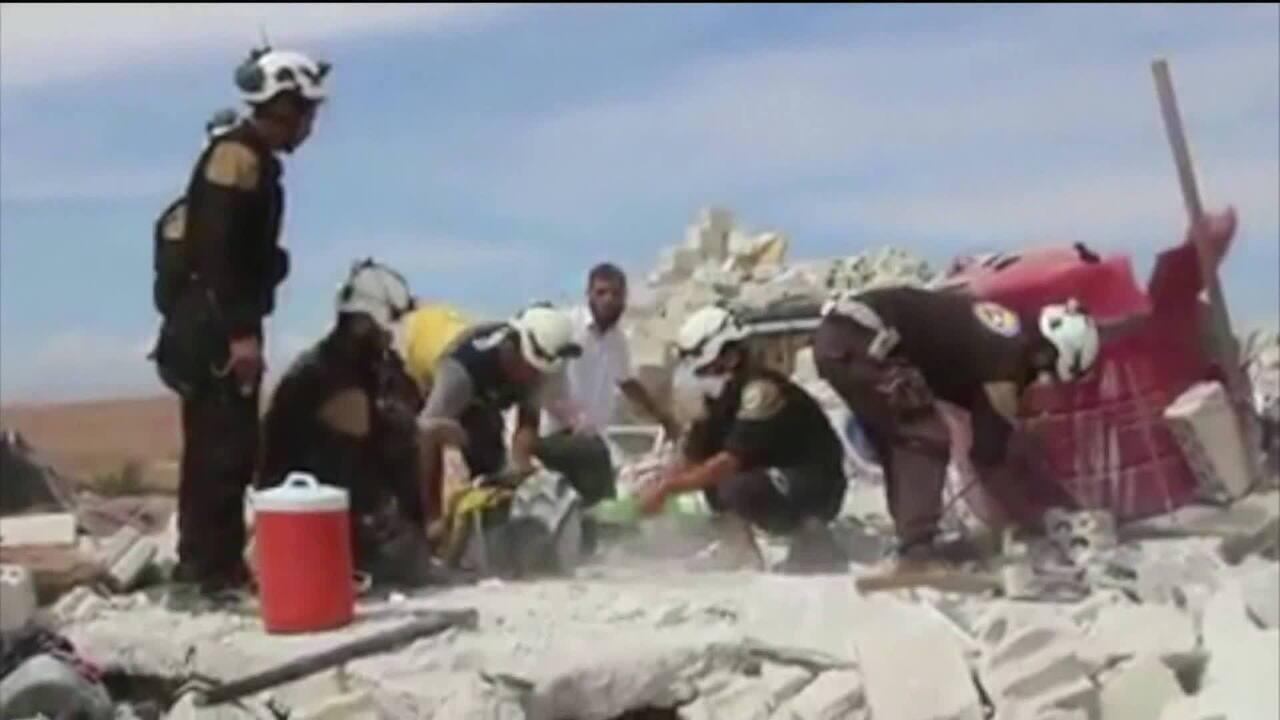 Rússia e Síria bombardeiam Idlib pelo segundo dia seguido