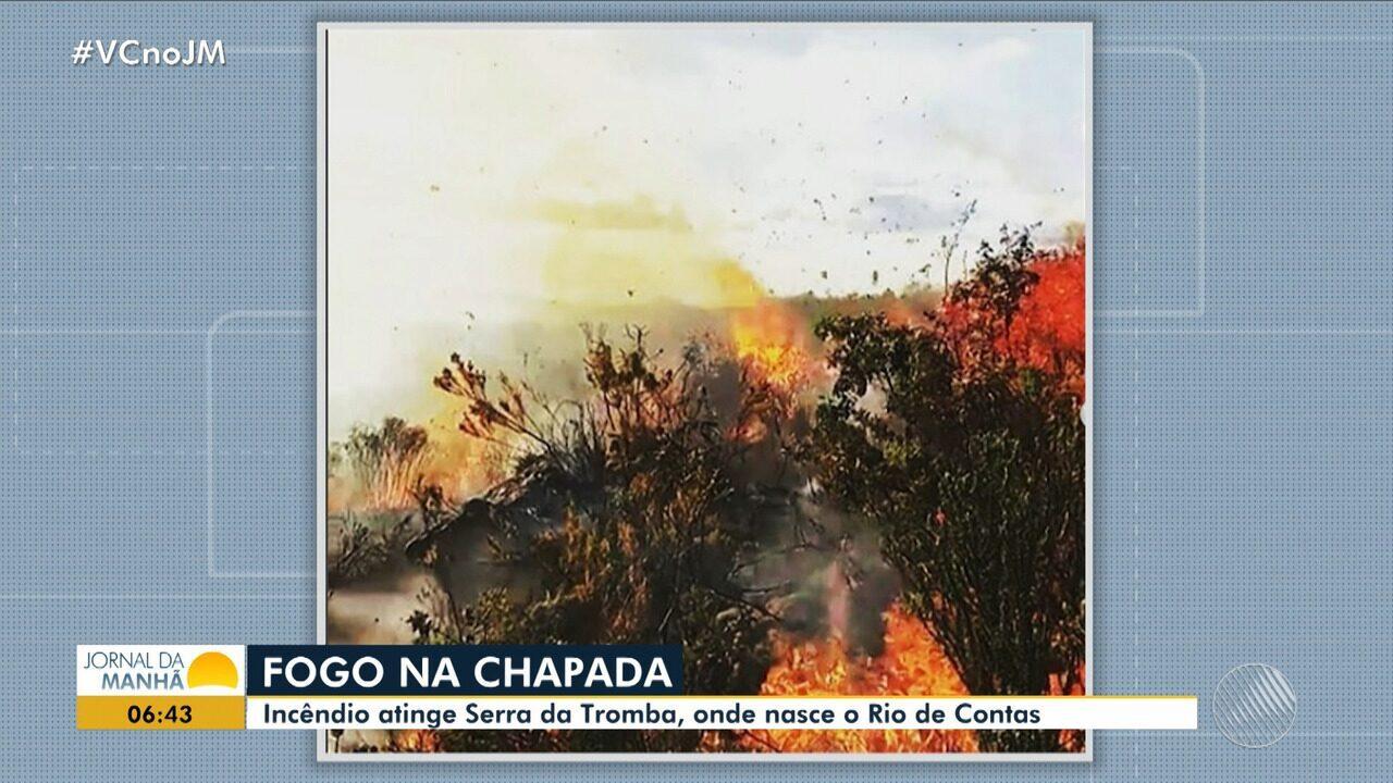 Fogo na Chapada: incêndio de grandes proporções atinge a Serra da Tromba