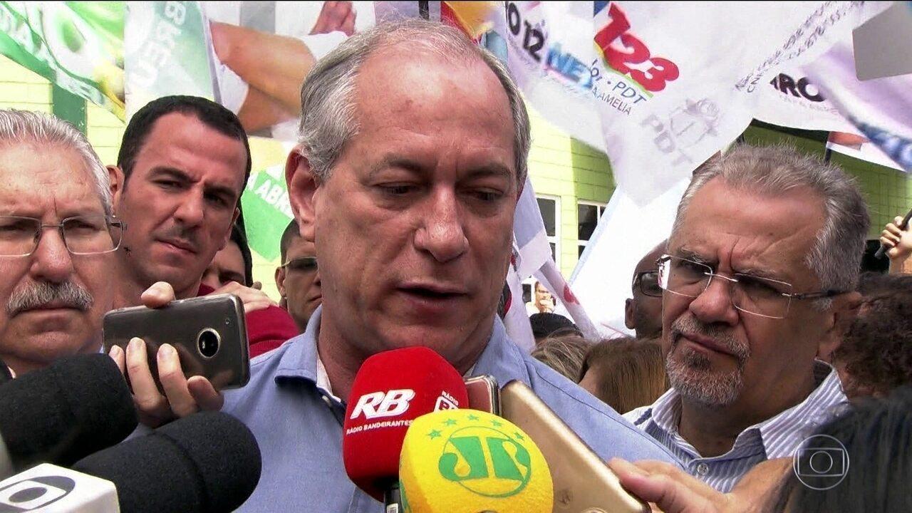 Candidato do PDT, Ciro Gomes, faz campanha na região do ABC paulista