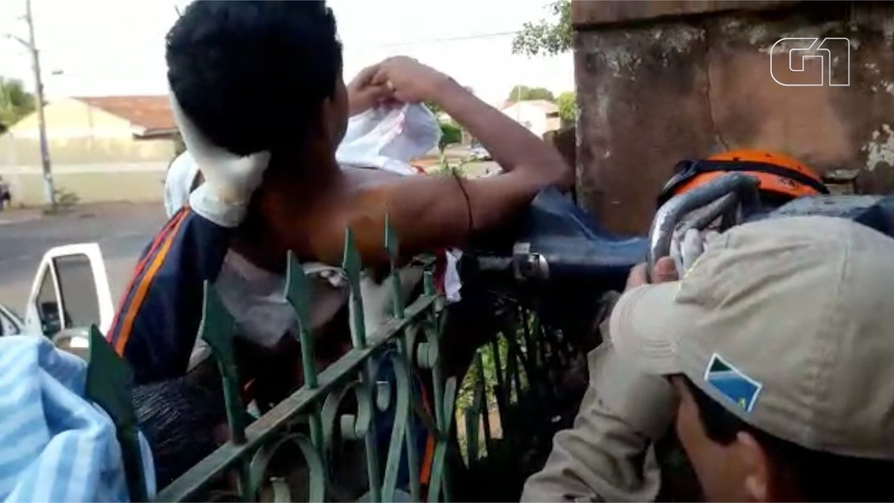 Menino fica preso a lanças de grade em Mato Grosso do Sul