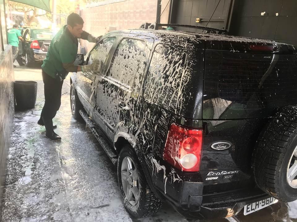 Veja os cuidados para manter a pintura do carro sempre bonita