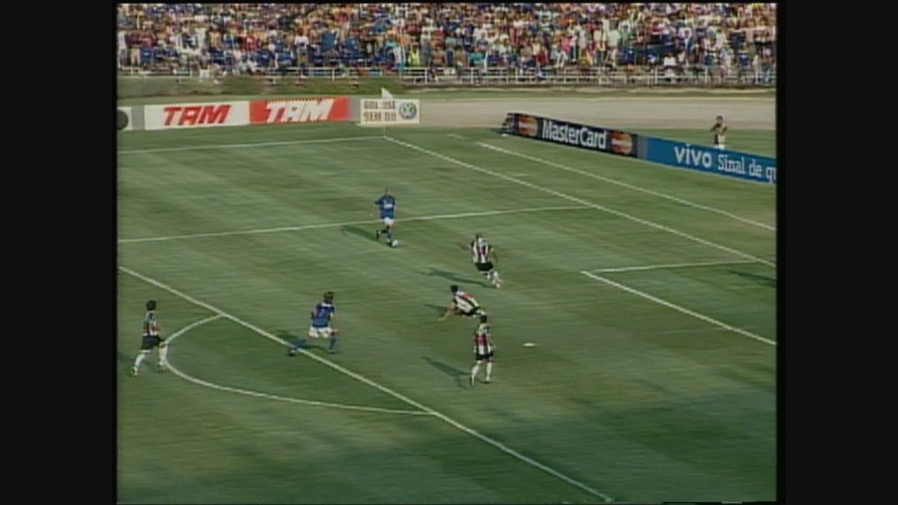 Lances de Cruzeiro 4 x 3 Atlético-MG, pelo Brasilerão 2007