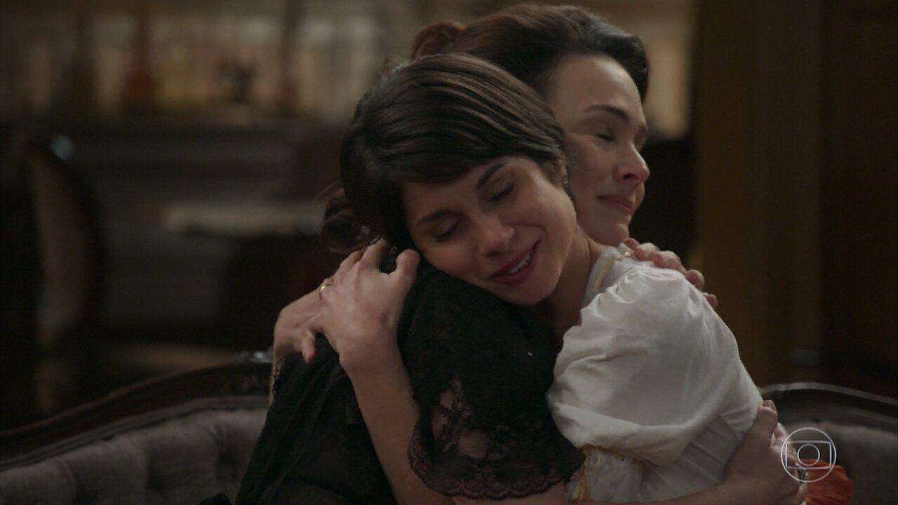 Julieta oferece seu apoio à Mariana e revela a origem de sua mecha no cabelo
