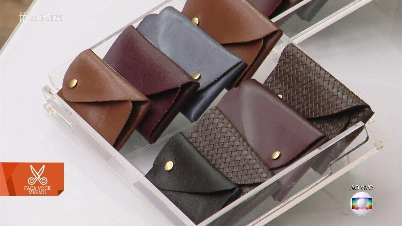 Aprenda a fazer carteiras com 'courino trançado'
