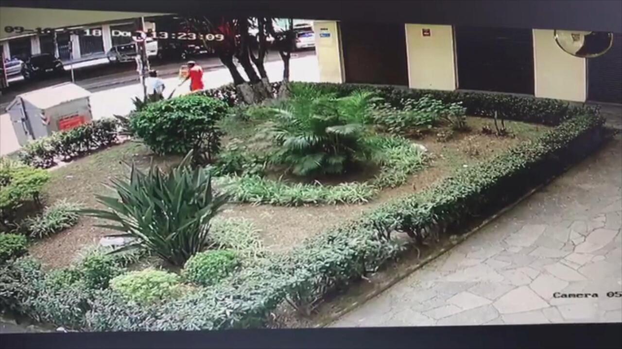 Homem é morto a tiros em rua do bairro Rio Branco em Porto Alegre