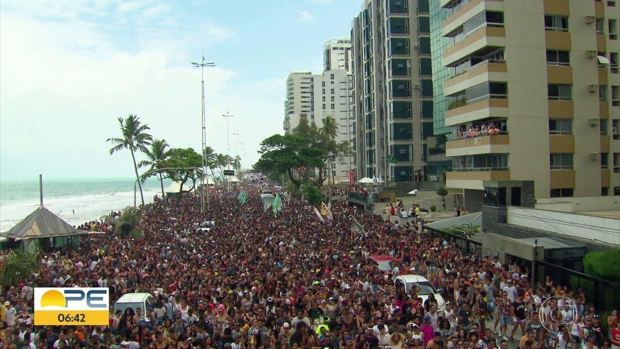 Parada da Diversidade do Recife celebra as formas de amar e pede respeito às diferenças