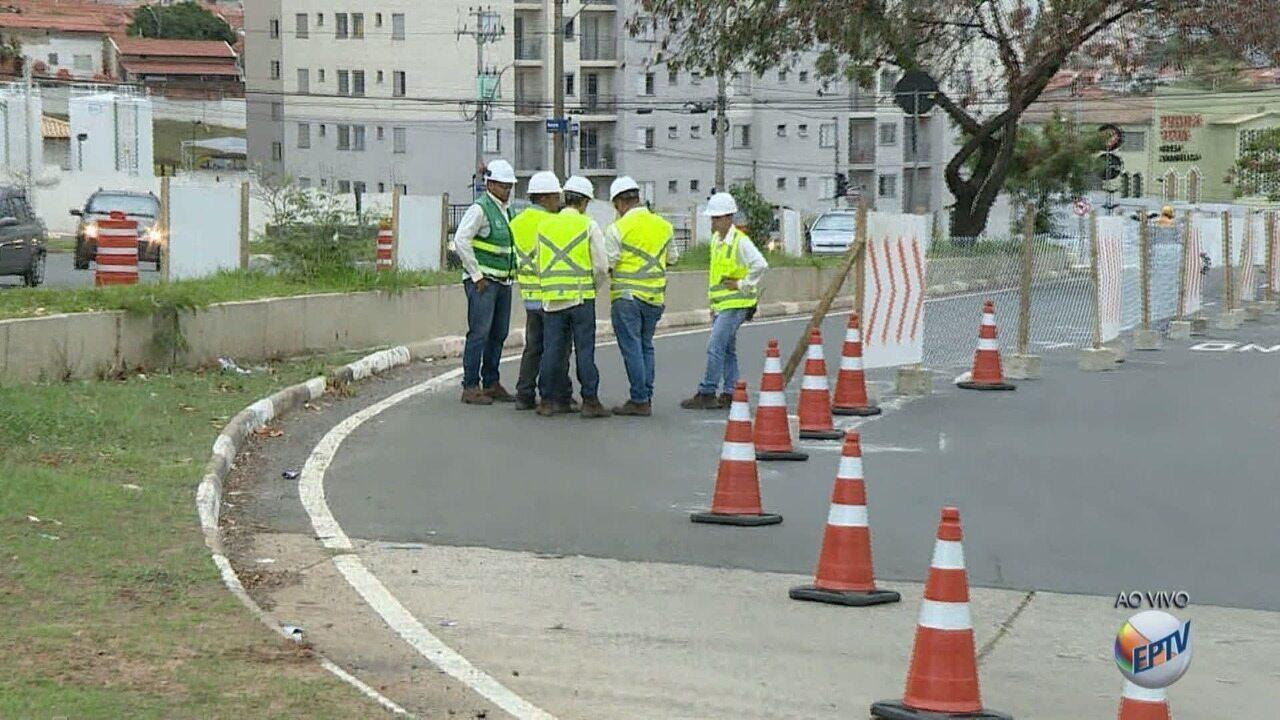 Obras da BRT causam interdição de faixa em rua do Jardim Novo Campos Elíseos, em Campinas