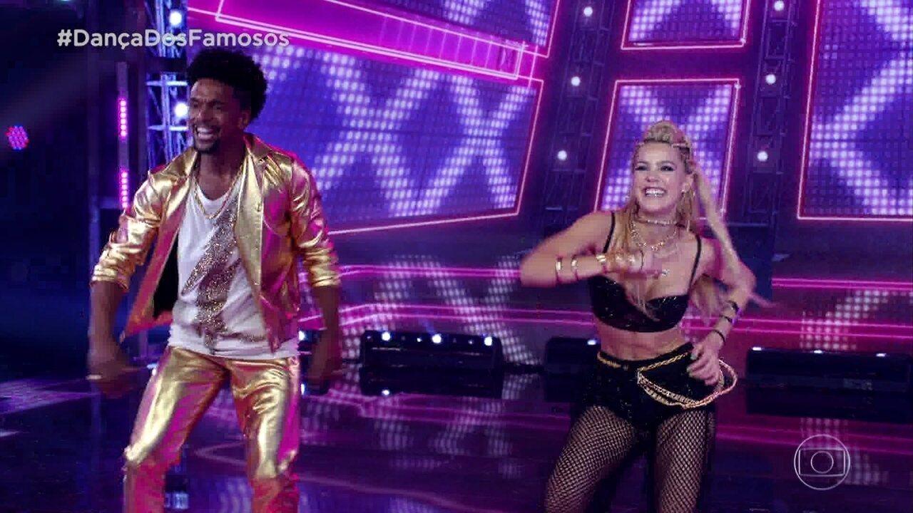 Pâmela Tomé impressiona a todos com sua dança