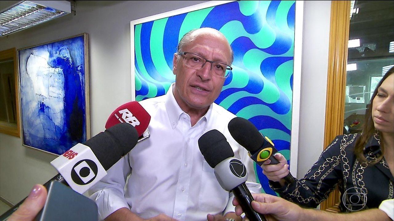 Geraldo Alckmin faz campanha em São Paulo nesta segunda-feira (24)