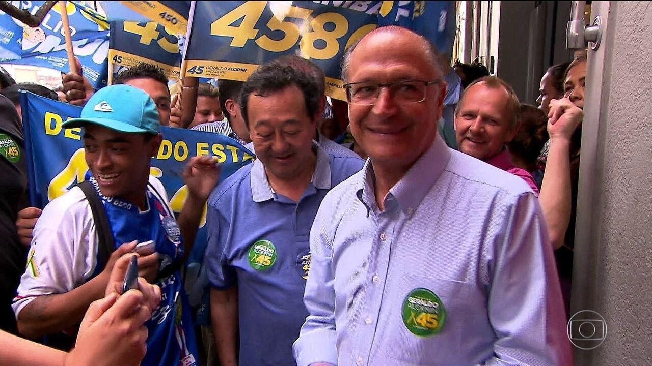 Candidato do PSDB, Geraldo Alckmin, faz campanha na capital paulista