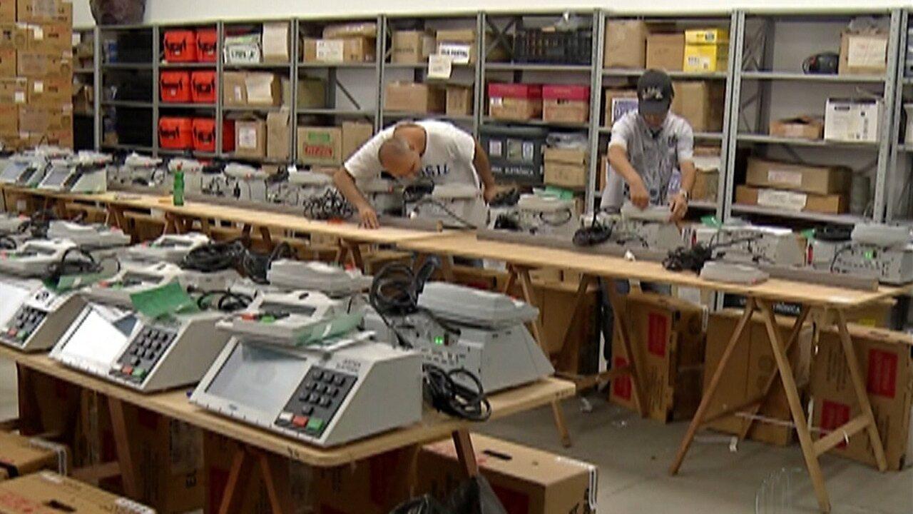 Cartórios eleitorais do Alto Tietê realizam testes e ajustes em urnas eletrônicas