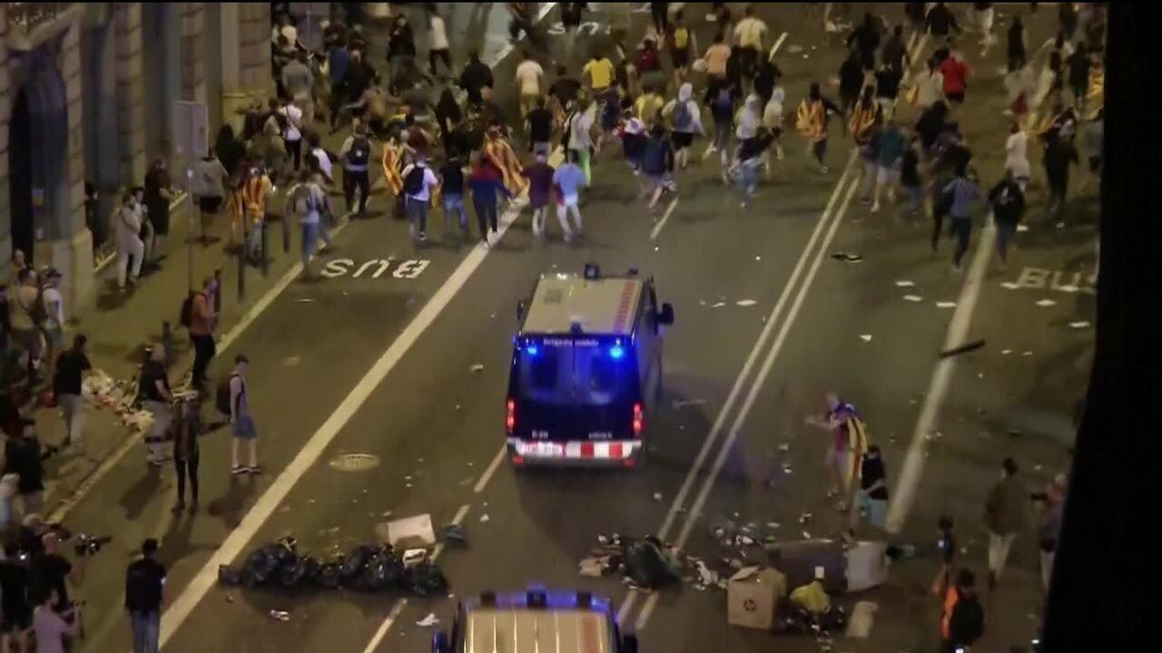 Tumulto em manifestação pela independência da Catalunha