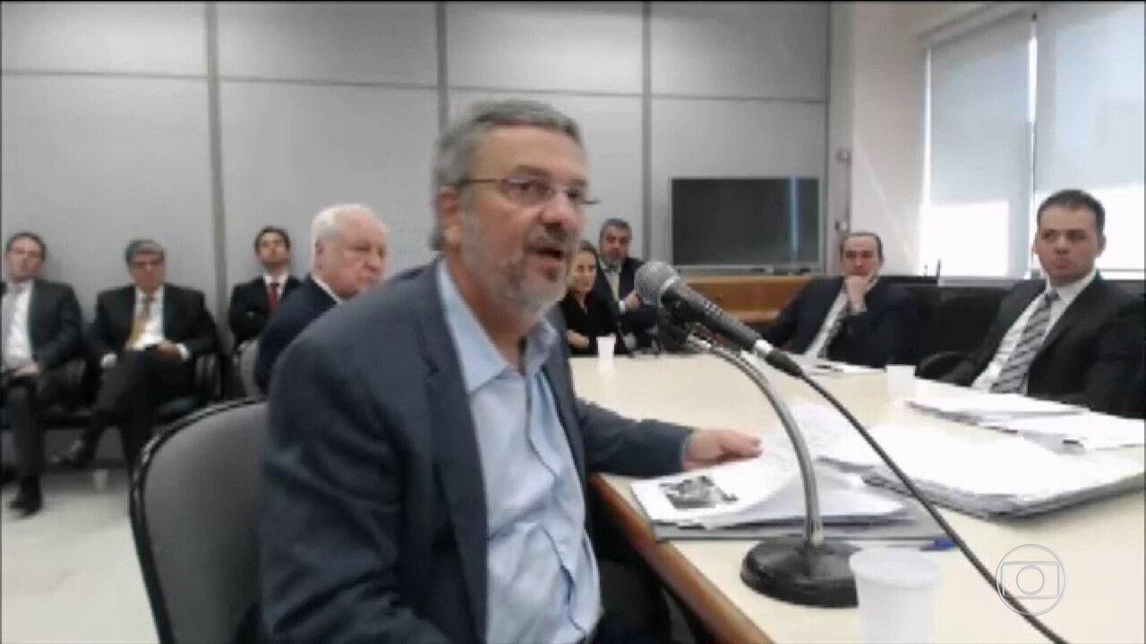 Defesa de Palocci afirma que ele delatou crimes envolvendo o sistema financeiro nacional.