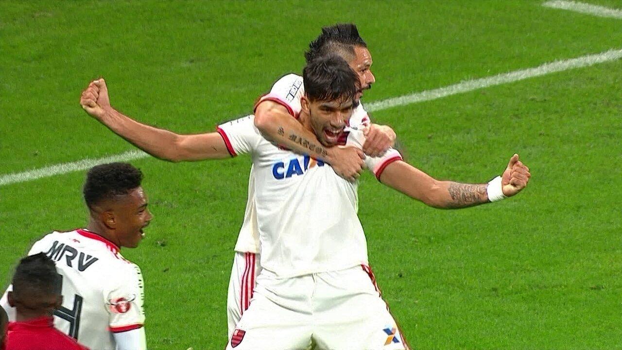 Lucas Paquetá brilhou na vitória do Fla sobre o Corinthians na última rodada