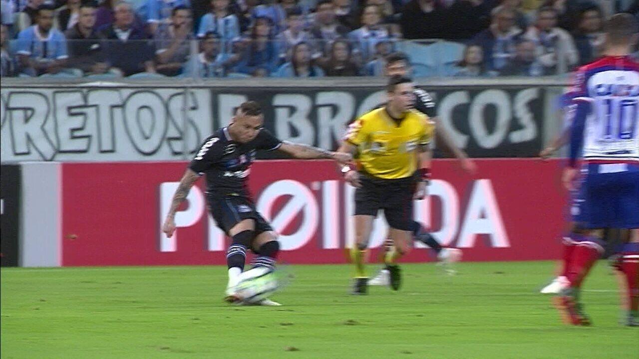 Melhores momentos  Grêmio 2 x 2 Bahia pela 28ª rodada do Brasileirão 2018 5eab2d22fb59c