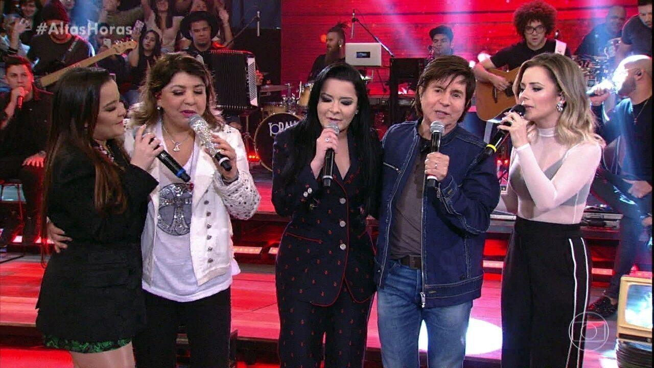 """Xororó canta """"Evidências"""" com Sandy, Roberta Miranda, Maiara e Maraísa"""