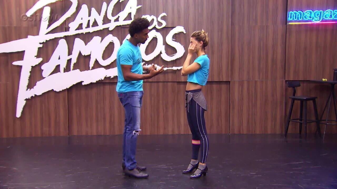 Pâmela Tomé comenta sobre seu ensaio para dançar rock