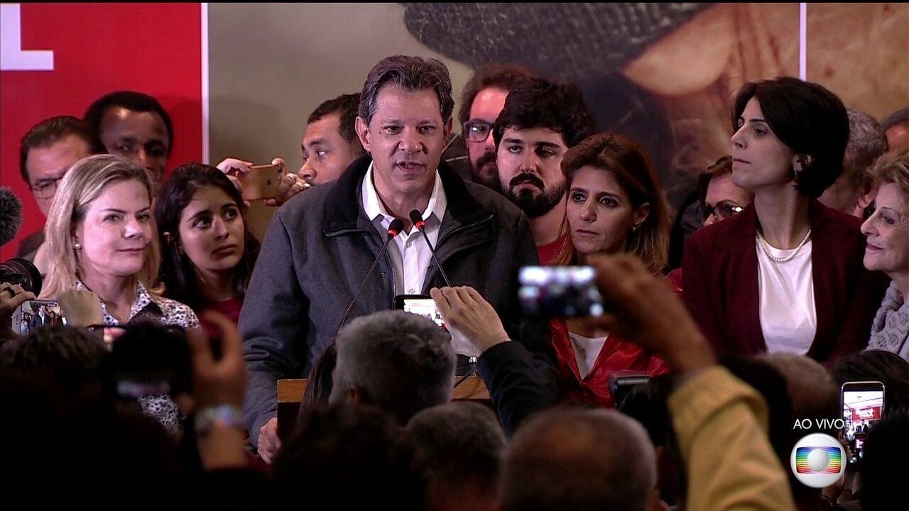 Fernando Haddad (PT) faz pronunciamento após resultado do 1º turno da eleição