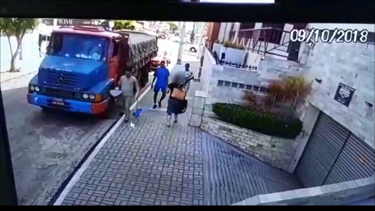 Mulher é assaltada e tem carro levado por bandidos em João Pessoa