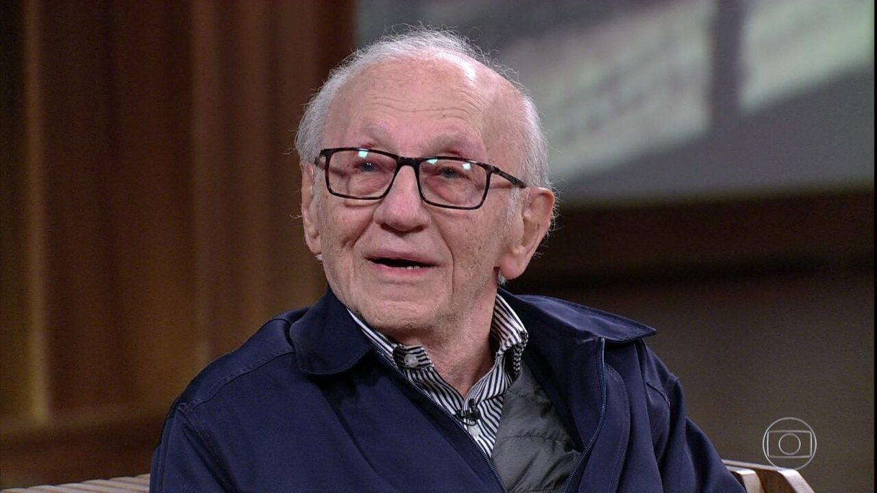 Andor Stern relembra o dia em que foi libertado e se emociona
