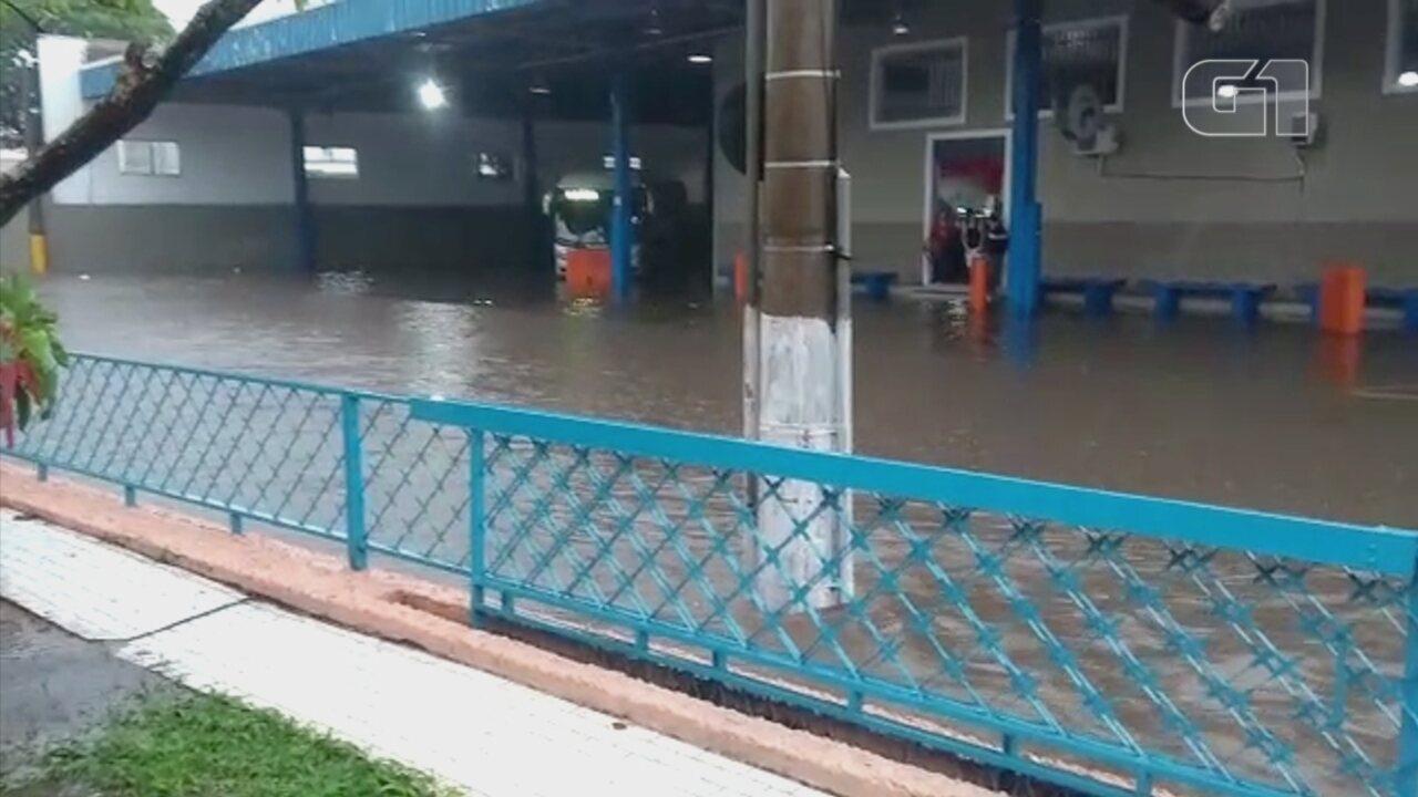 Chuva causa estragos em cidades da região de Itapetininga