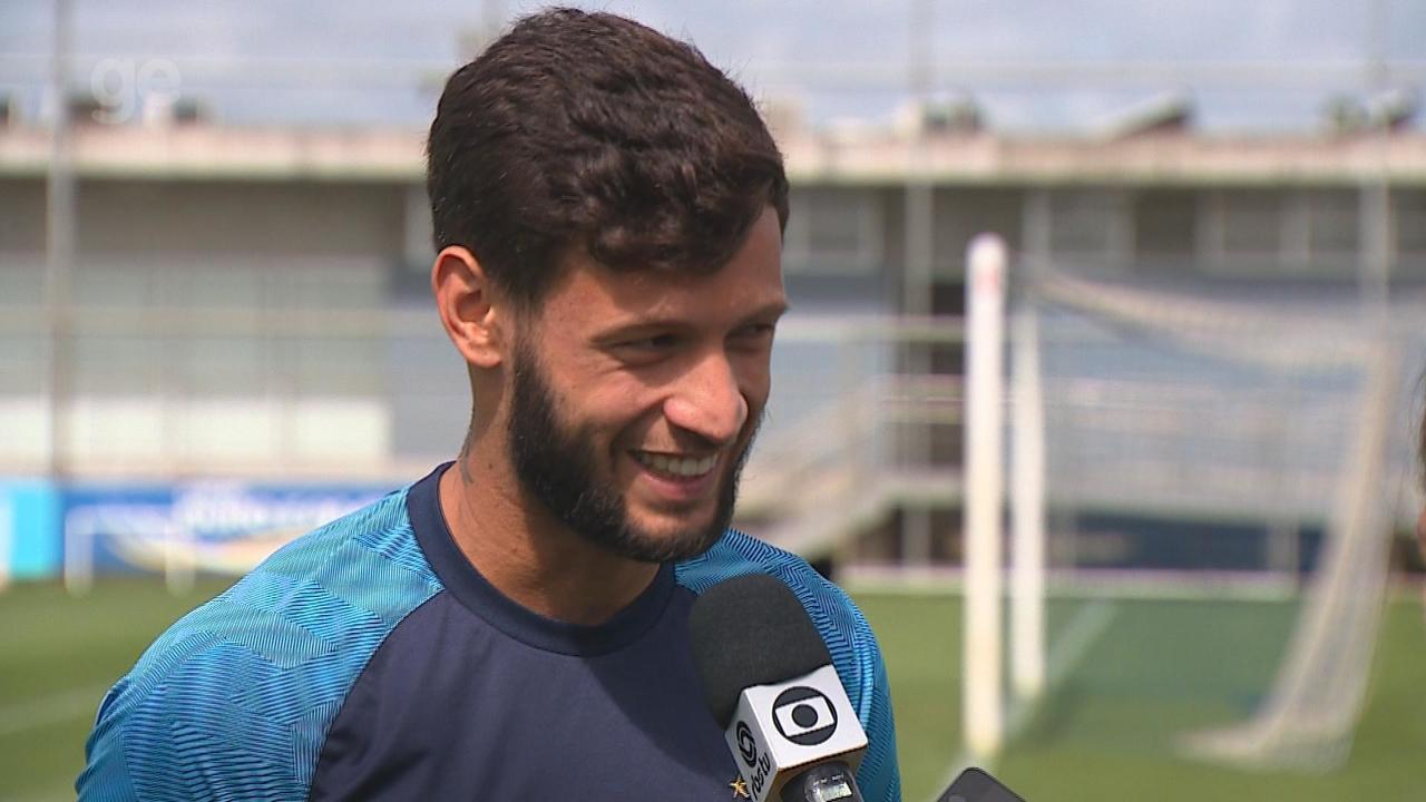Juninho Capixaba fala de adaptação, fase artilheira e confiança do Renato
