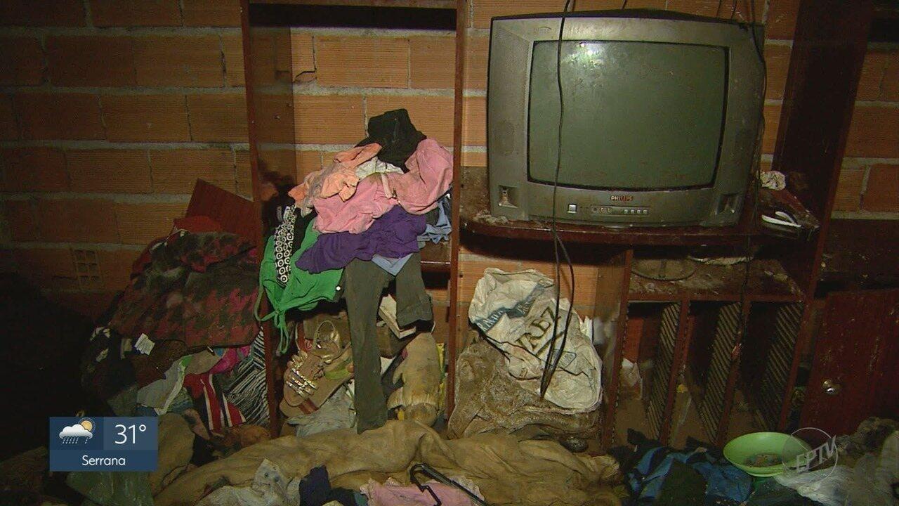 Moradores de comunidade no Jardim Marchesi perdem tudo durante temporal