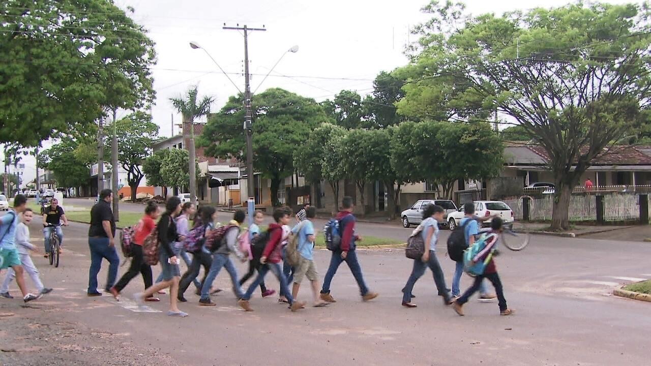 Resultado de imagem para Amaporã registra mesmo número de votos para presidenciáveis que disputam o 2º turno