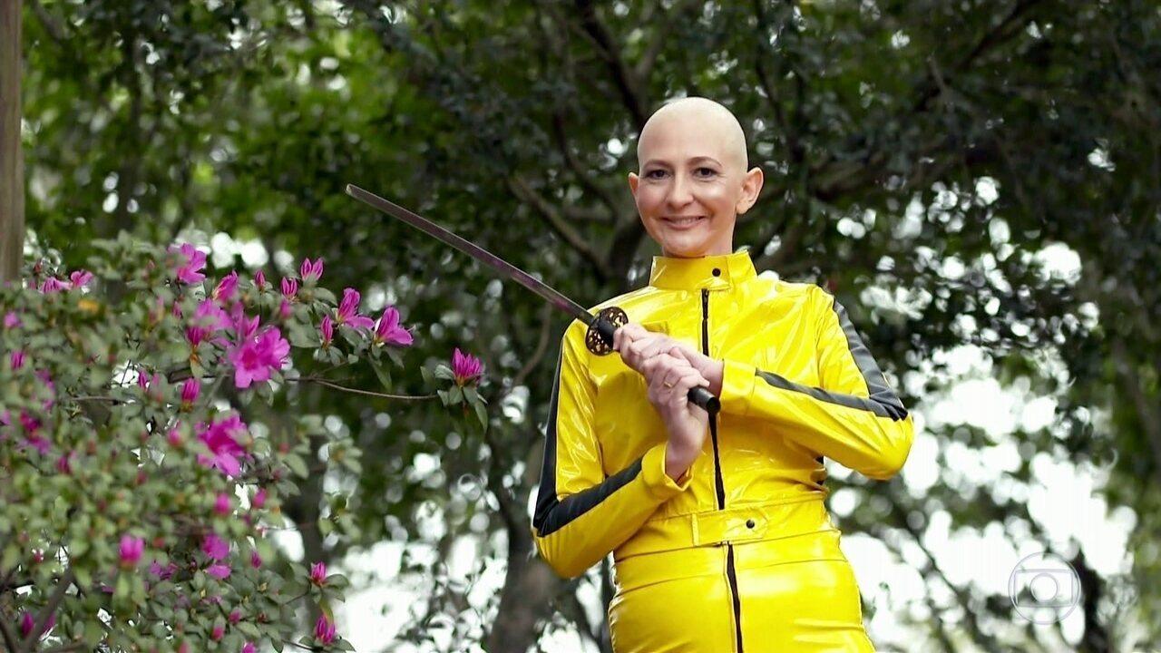 Projeto ajuda mulheres com câncer a recuperar autoestima usando personagens do cinema