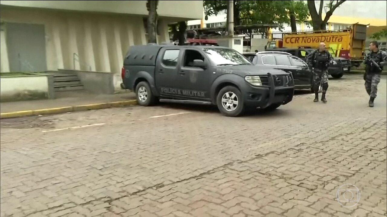 Operação no sul do Rio de Janeiro prende 25 PMs