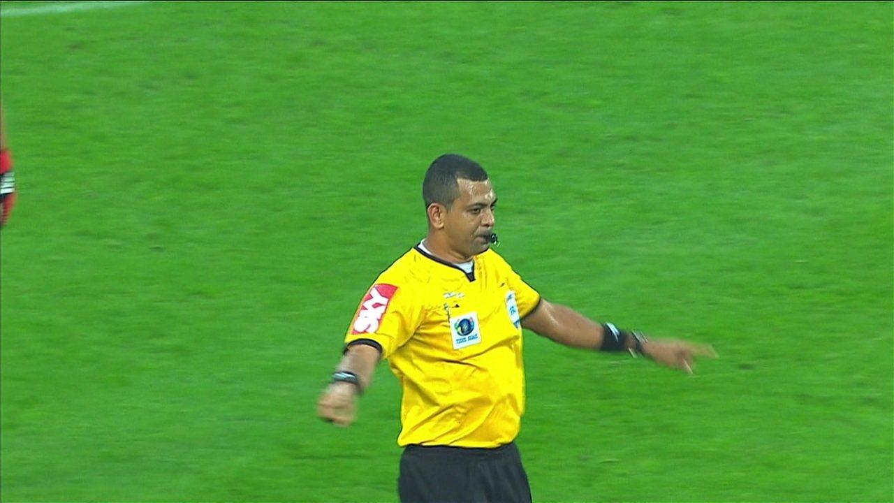 Gol do Corinthians, mas não valeu! Pedrinho marca, mas arbitragem marca falta em cima de Dedé aos 24 do 2º tempo