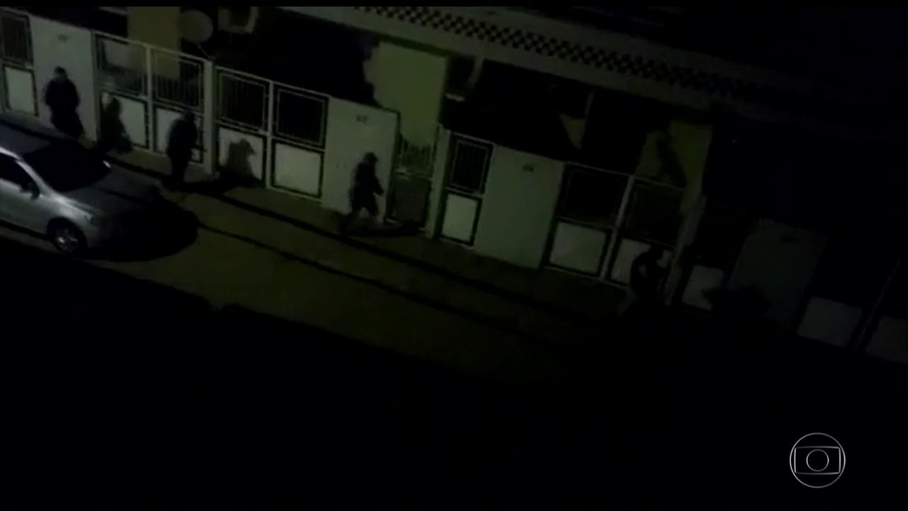 b45163d91a Assaltantes explodem duas agências bancárias em Santa Cruz do Capibaribe