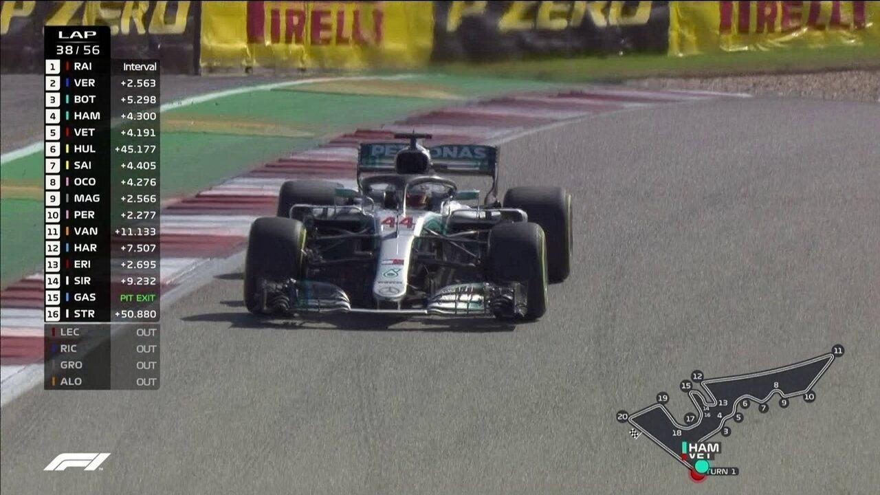 Lewis Hamilton vai trocar pneus e volta em quarto, à frente de Vettel