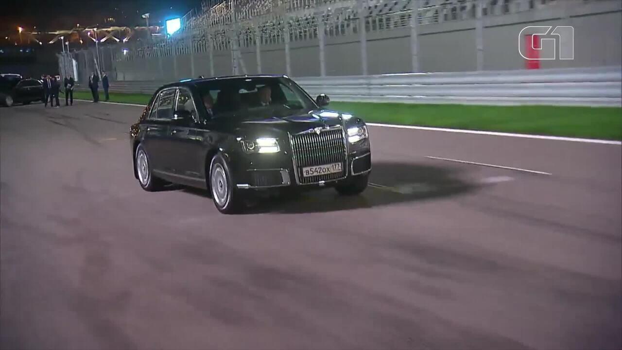 Putin dirige limusine em pista de F1
