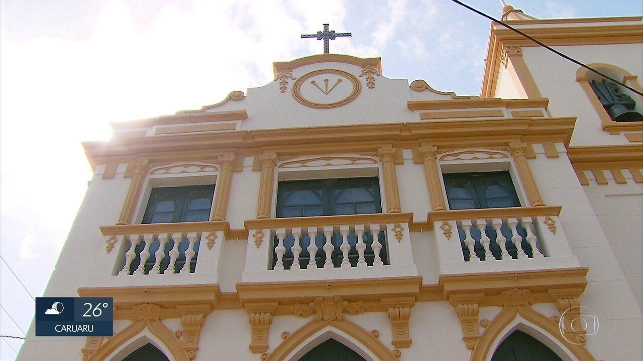 Igreja construída em 1707 é reaberta após seis anos fechada em Olinda