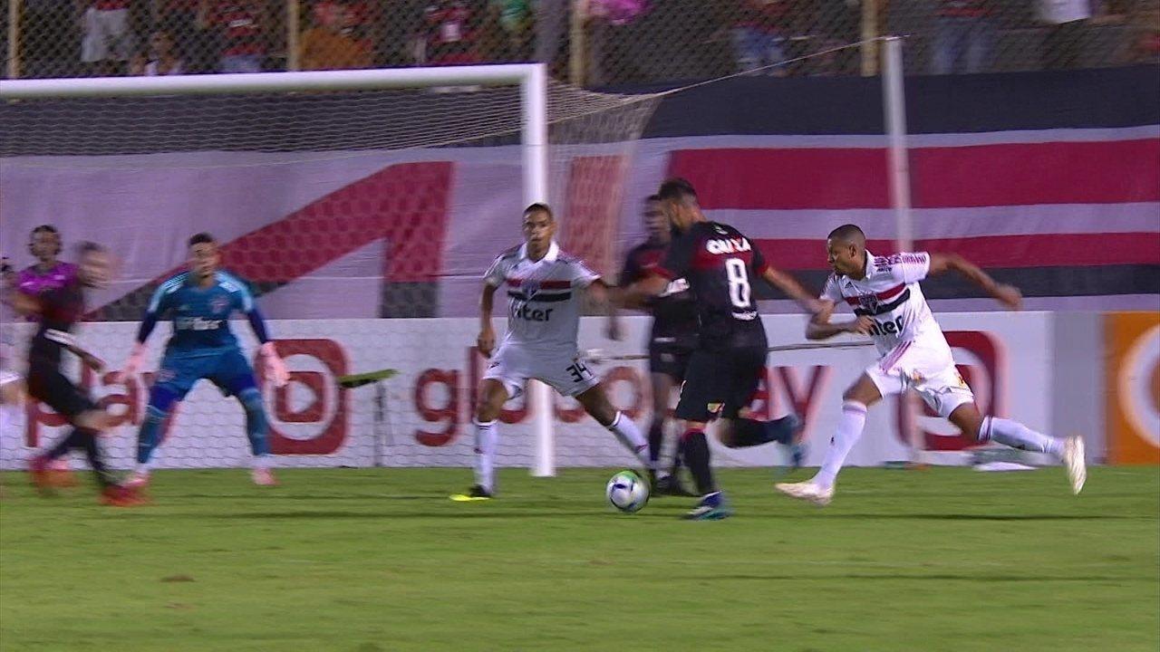 Melhores momentos de Vitória 0 x 1 São Paulo pela 31ª rodada do Campeonato Brasileiro