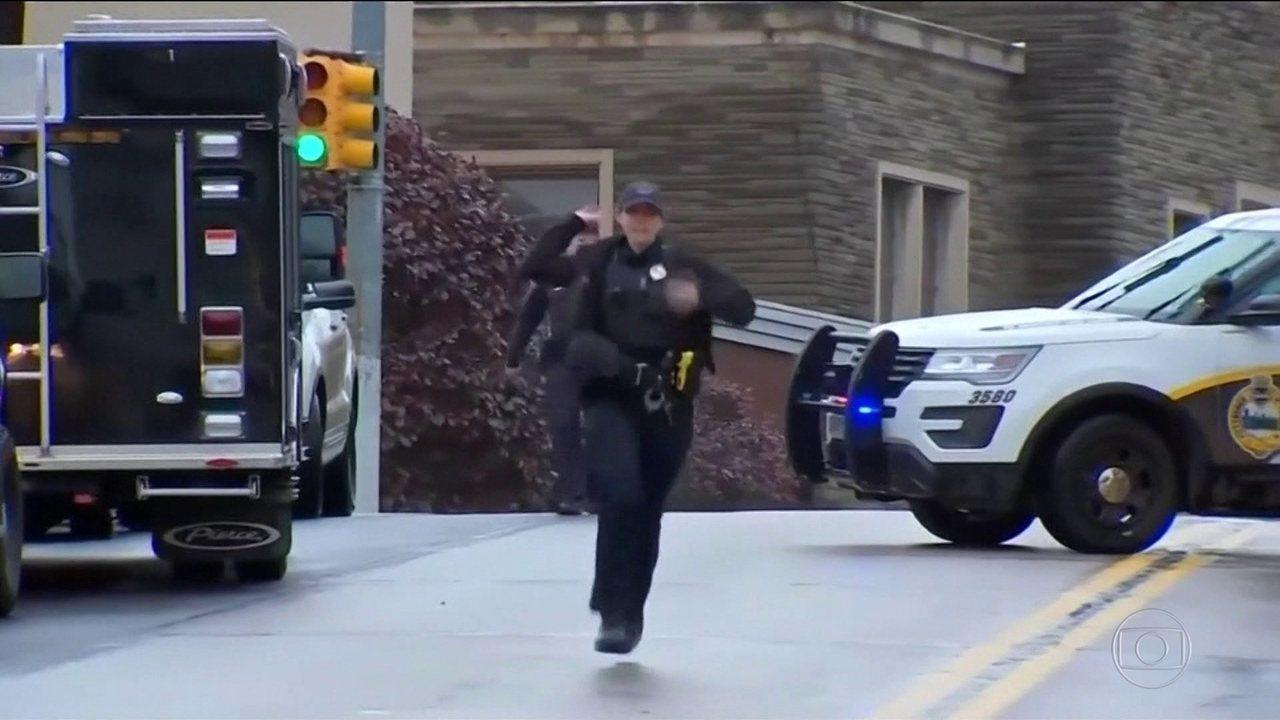 Atirador abre fogo em sinagoga e mata 11 nos Estados Unidos