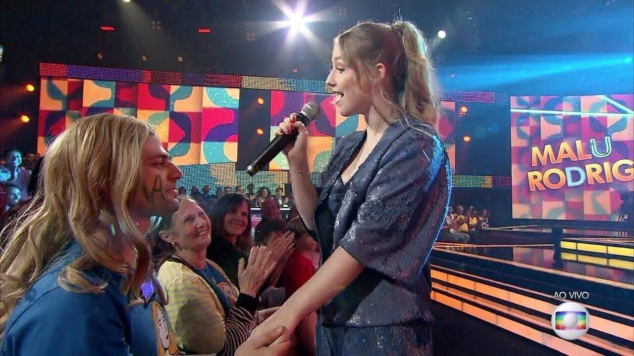 Malu Rodrigues canta 'Se Todos Fossem Iguais a Você'