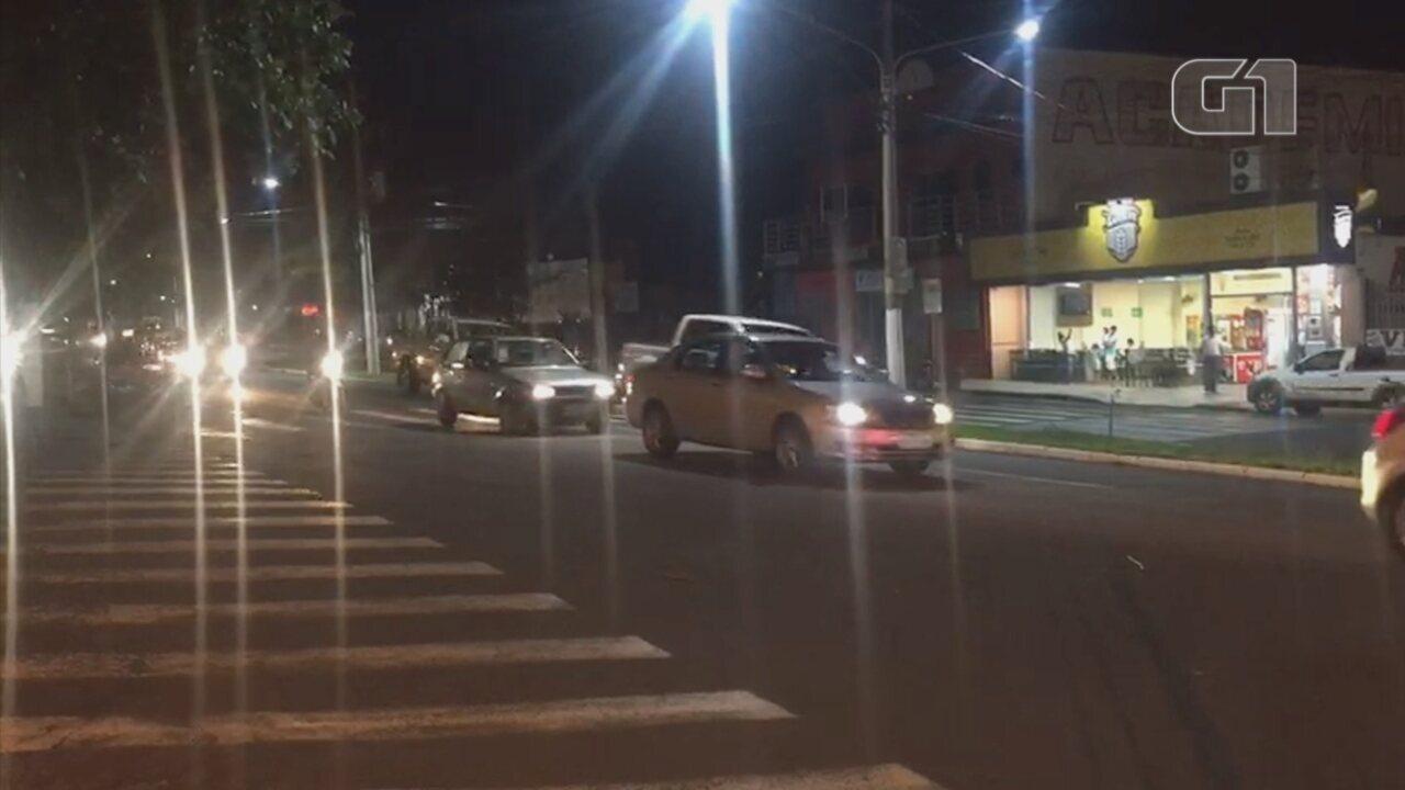 Apoiadores de Jair Bolsonaro fazem buzinaço em Ourinhos