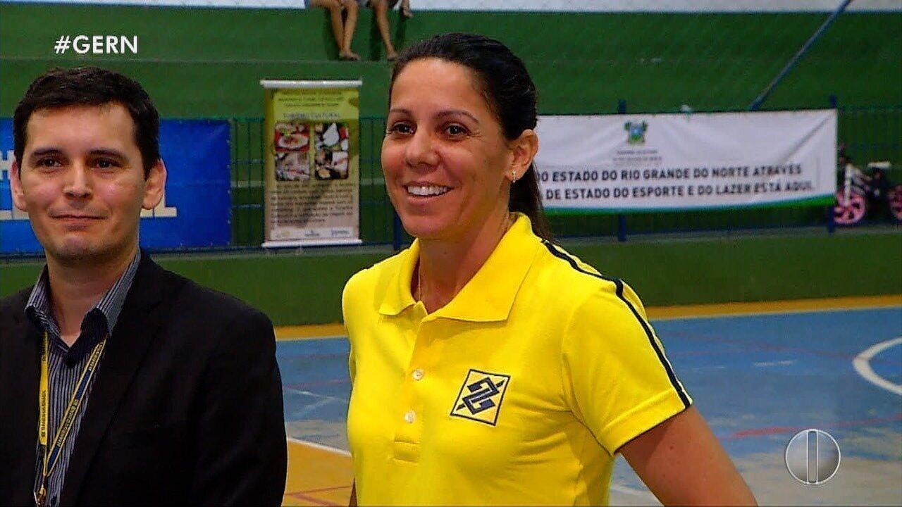 Abertura de campeonato de vôlei tem presença de Sandra Pires na Grande Natal